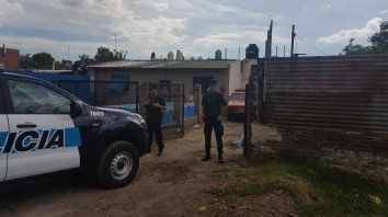 Un detenido y varios vehículos secuestrados en un allanamiento a un desarmadero en La Tablada