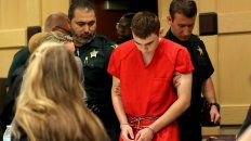 Banquillo. El autor de la masacre de Florida, Nikolas Cruz, fue presentado ante la jueza de distrito.