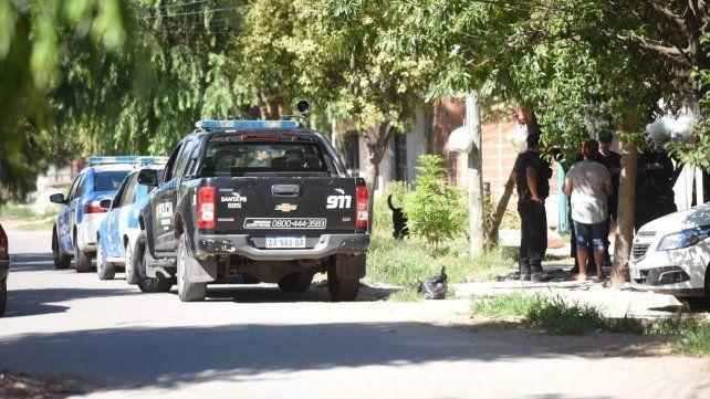 Investigacion. Policías de la PDI estuvieron en el lugar del doble crimen.
