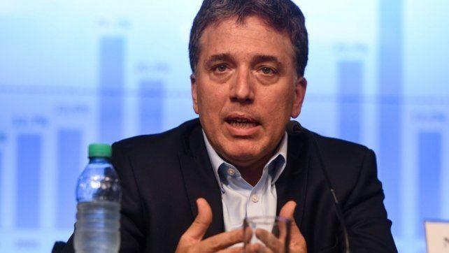 El tenso momento que vivió el ministro Dujovne en España cuando lo criticaron por tener su patrimonio fuera del país
