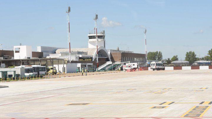 Cuatro ofertas para la nueva nave de la estación aérea local