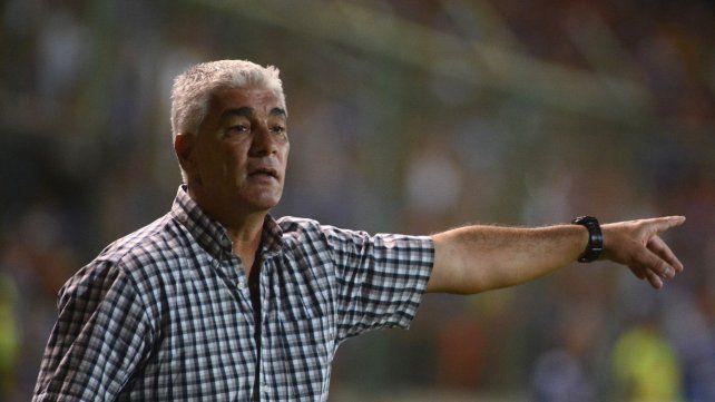 Lo esperan. El técnico se pondrá al frente del equipo la semana próxima para el partido con San Martín (SJ).