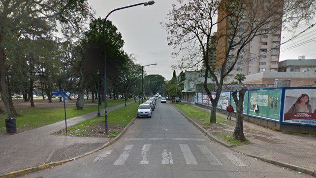 Un motociclista falleció al ser embestido por un auto en zona norte