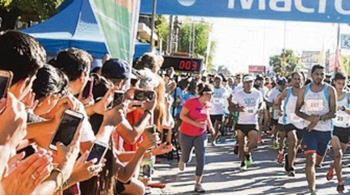 Una multitud vio el maratón.