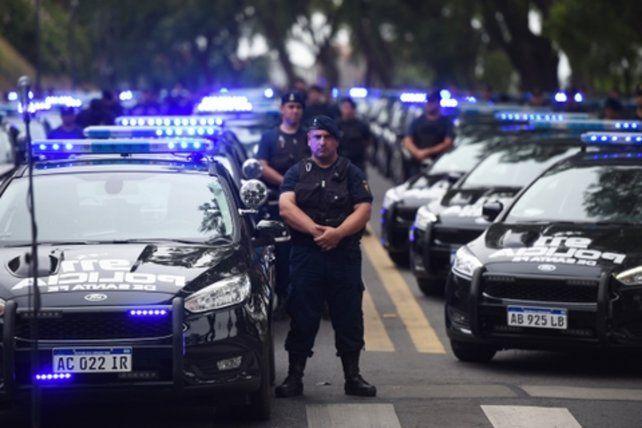 Flamantes. La Policía de Santa Fe incorporó ayer más de un centenar de patrulleros.