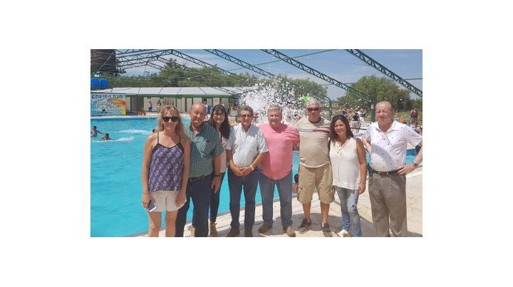 Trataron temas en común. González junto a jefes comunales y ediles.