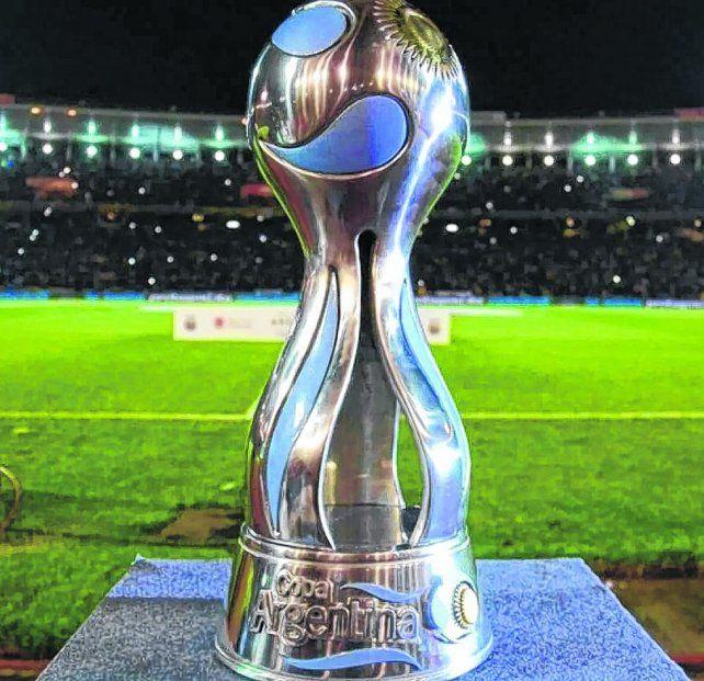 La más deseada. El trofeo de la Copa Argentina buscará nuevo dueño. River fue el campeón en 2017.