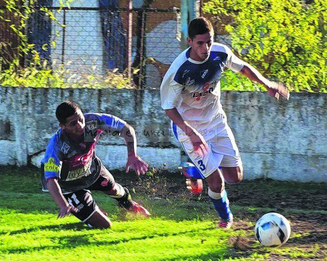 Va al frente. Leandro Córdoba se ganó un lugar en el equipo dirigido por Vaquero.