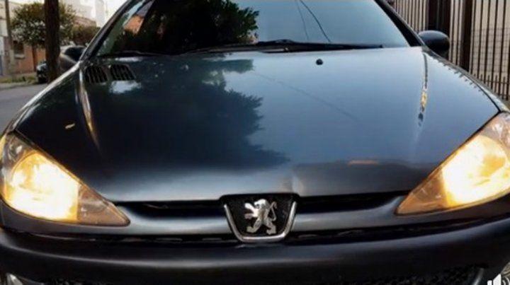 El increíble video de un auto que se emociona y se vende solo