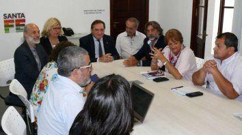 el gobierno retraso para la tarde la reunion paritaria con los docentes y estatales