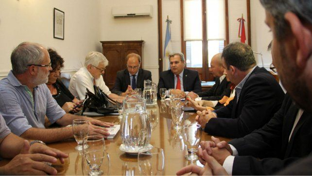 No hubo acuerdo en la tercera reunión paritaria con los trabajadores del Estado.