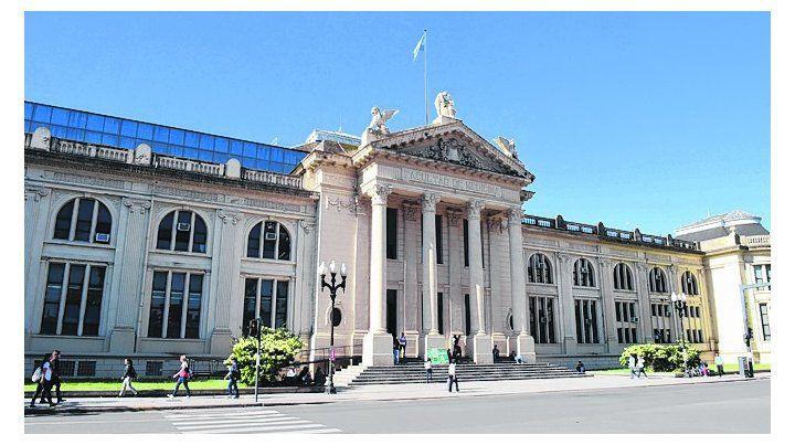 Los estudiantes de la Universidad Nacional de Rosario cuentan con atención en salud.