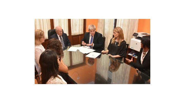 acuerdo. Autoridades de la Defensoría del Pueblo de Santa Fe y la Procuración General