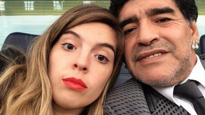 No es seguro que Maradona esté en el casamiento de Dalma