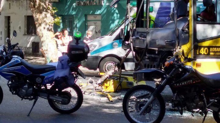 Alta velocidad. Testigos señalaron que ambos coches circulaban rápido en pleno centro.