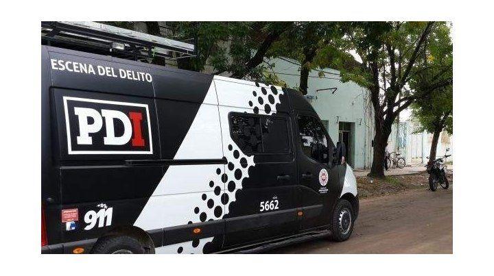 Dos detenidos y secuestro de drogas en un auto y una casa