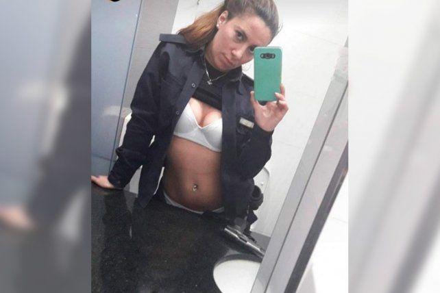 Viral. Las imágenes hot de la joven policía se difundieron en las redes sociales.