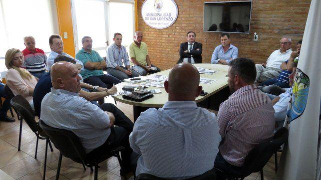 Los ministros Speranza y Genesini se reunieron con el intendente Raimundo y trabajadores de la exRefinería San Lorenzo.