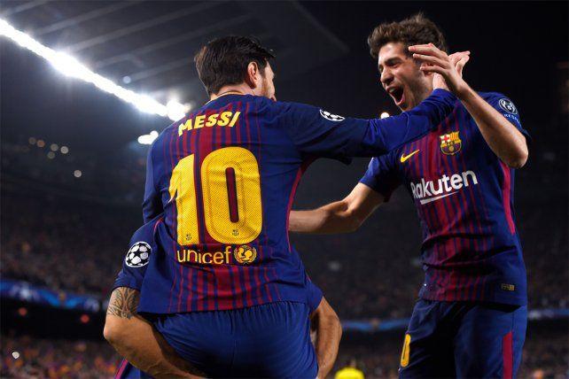 A festejar. Leo Messi convirtió un doblete y Barcelona goleó a Chelsea por Champions.