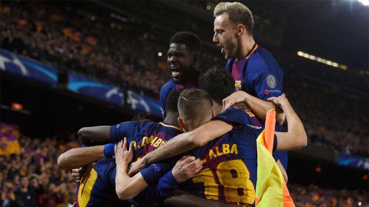 Todos juntos. Barcelona avanzó a cuartos de la Champions con una victoria aplastante.