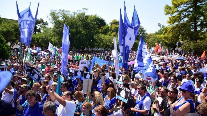 Tras el paro y la movilización, los docentes esperan una oferta razonable del gobierno