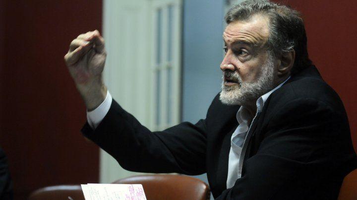 Rafael Bielsa se reunió con el arco opositor de la dirigencia de Newells