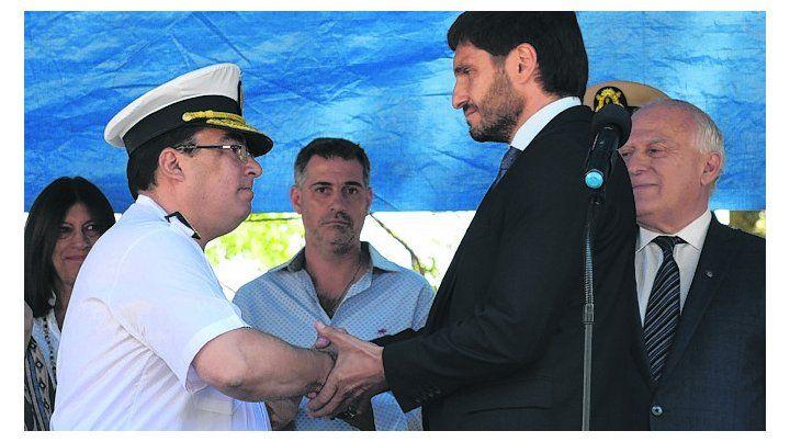 El comisario Marcelo Villanúa y el ministro de Seguridad