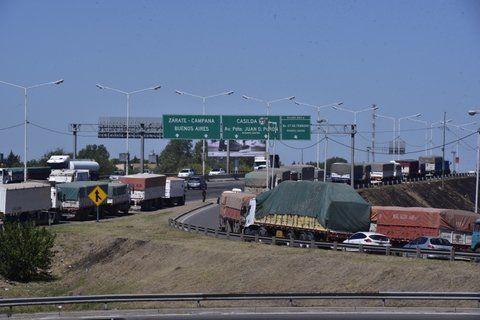 período de cosecha. Los camiones cerealeros generaron una gran congestión en el tránsito en un tramo clave