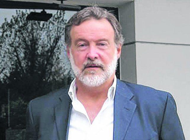 El organizador. Rafael Bielsa fue el anfitrión del encuentro en la casa de su hermana María Eugenia.