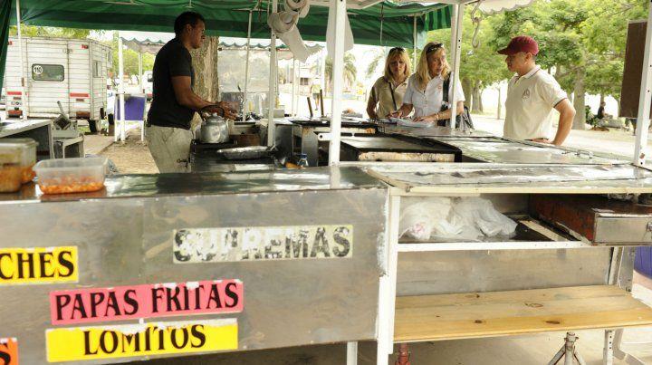 Los propietarios de carritos expresaron su preocupación por el avance los food trucks.
