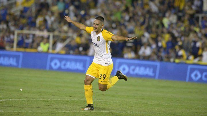 Agustín Maziero se convirtió con sus dos golazos en la figura de la noche en Arroyito.