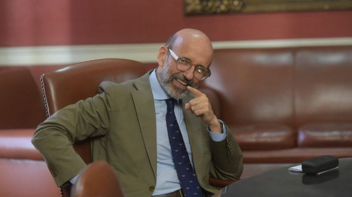 Héctor Floriani. El referente universitario recordó que más de 300 familias tendrán que mudarse.
