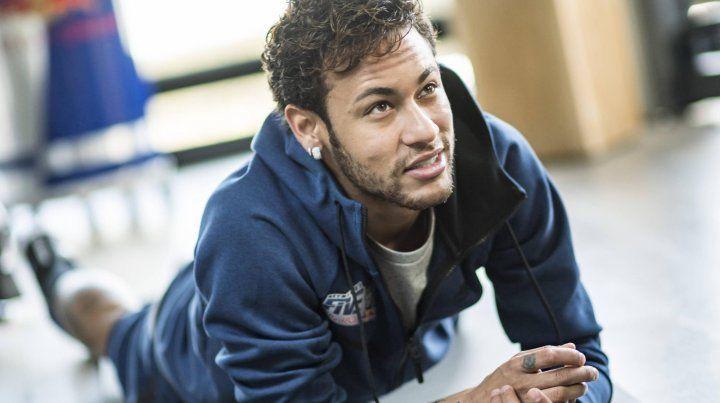 Cambio de look. Neymar sorprendió a todos en Instagram y se volvió tendencia mundial.