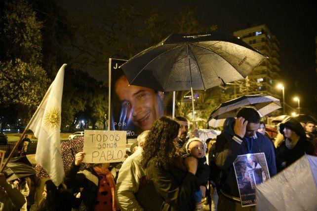 El 29 de septiembre de 2016 cientos de personas desafiaron la lluvia para reclamar justicia.