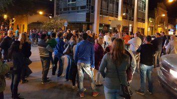 Un centenar de vecinos se movilizaron en Venado Tuerto.