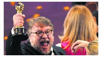 Del Toro hace humanos sus proyectos