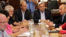 Los ministros Saglione y Farías confían en llegar a un acuerdo y destrabar el conflicto con los docentes y estatales.