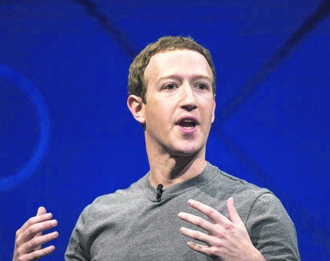 zuckerberg. El CEO de Facebook perdió miles de millones de dólares.