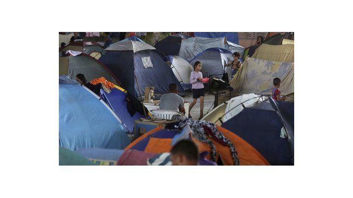 Crisis humanitaria. Cientos de refugiados venezolanos hacinados en un campamento en Boa Vista.