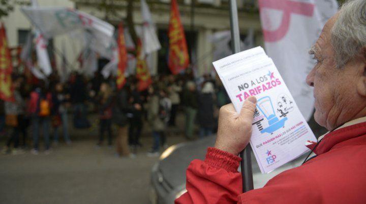 Las subas en las tarifas de la EPE derivaron en un protestas de los usuarios.