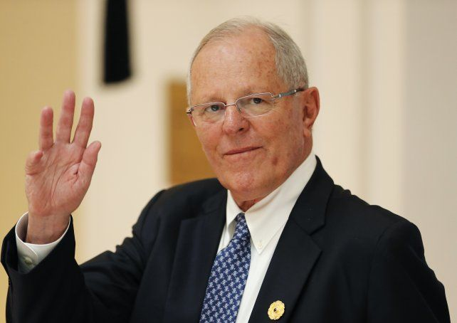 Kuczynski presentó su renuncia a la presidencia de Perú
