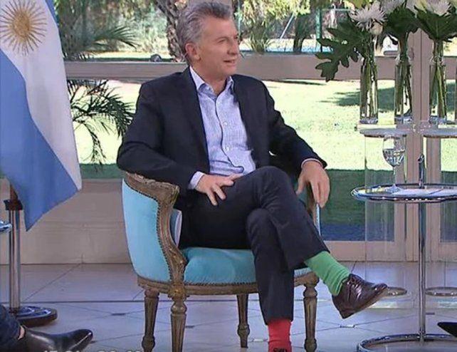 Entrevista. El presidente contó por qué se puso medias de distintos colores.