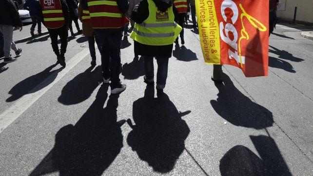 Huelga general en Francia paraliza los servicios públicos