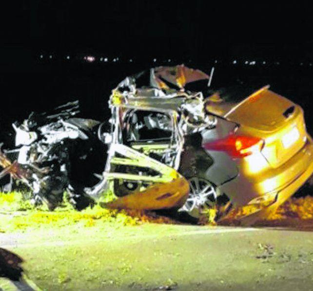 destrozado. El ocupante del Ford Focus falleció en el acto.