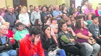 movilizados. Un importante grupo de vecinos estuvo en la sesión del Concejo Municipal para plantear el problema.