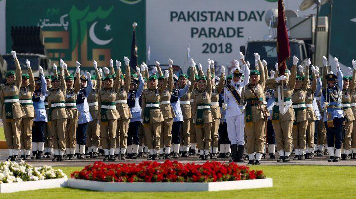 Pakistán celebra su día nacional mostrando su poderío bélico