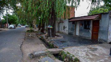 Colón al 3800, el lugar donde ocurrió el triple crimen. Zona caliente en barrio Tablada.