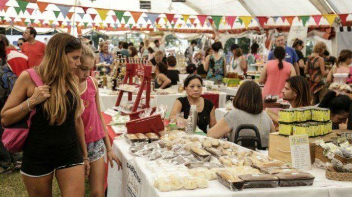 Este fin de semana vuelve el Biomercado en Oroño y el río