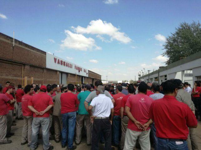 Indignación. Los obreros se ofuscaron luego de una propuesta de la empresa que finalmente fue rechazada.