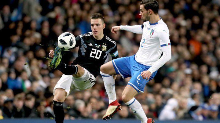 La manija. El volante Giovanni Lo Celso dio la asistencia en el primer gol albiceleste. El ex canalla mostró algo de su talento.